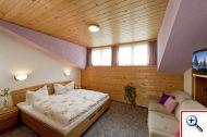 Schlafzimmer in der Ferienwohnung11 im Hausbirgit Pettneu am Arlberg